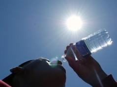 Ante el calor, beber mucha agua.