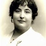 Un centenar de personalidades respaldan el nombre de Carmen de Burgos para la Biblioteca de Almería
